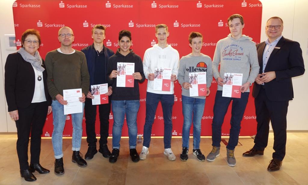 Platz 3 Nachhaltigkeit: Asphalt-Antilopen (Klasse 10b): Theo Paulick, Enes Daglioglu, Lukas Wild, Lucas Helgert, Tim Matuschewski